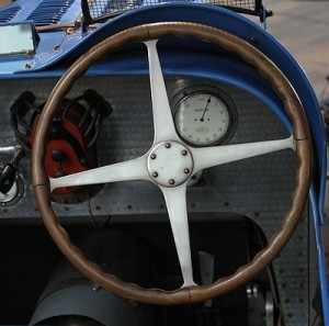 Bugatti Arbeitsplatz