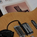 Gitarre mit heftiger Elktronik